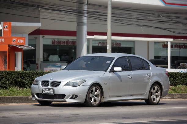privater auto. bmw 525d. - 525d stock-fotos und bilder