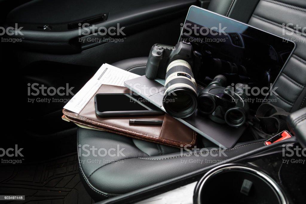 Privatdetektiv-Tools im Autositz – Foto