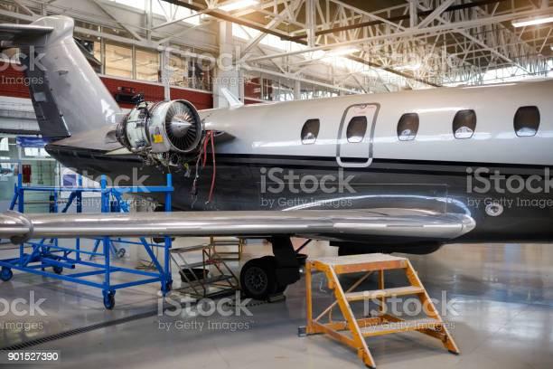 Jet Avión Privado Foto de stock y más banco de imágenes de Avión