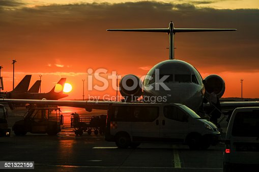 186763256 istock photo Private jet 521322159