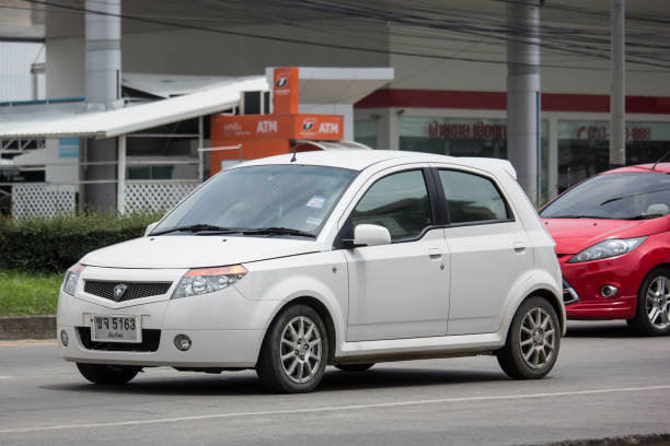 private proton versierte - proton auto stock-fotos und bilder