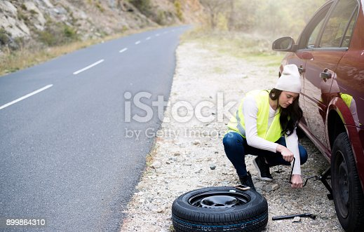 104275470istockphoto Problem with a car 899864310