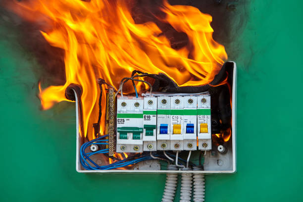 problem with electrical wiring caused a fire. - bassino foto e immagini stock