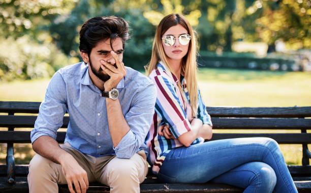 Probleme in Liebesbeziehungen. Junges Paar im Streit – Foto