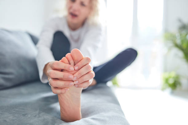 problems with feet, joints, legs and ankles. - stopa zdjęcia i obrazy z banku zdjęć