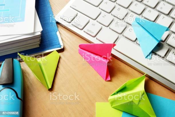 Procrastination concept colorful paper planes on an office table picture id824399638?b=1&k=6&m=824399638&s=612x612&h=r7rw4jz2nbgafo6whuqfkho4g unau00u94pwa4zzog=
