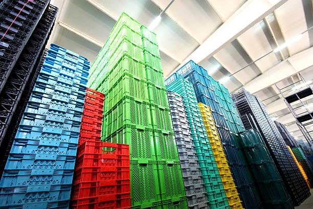 herstellung von kunststoff-boxen - polypropylen stock-fotos und bilder