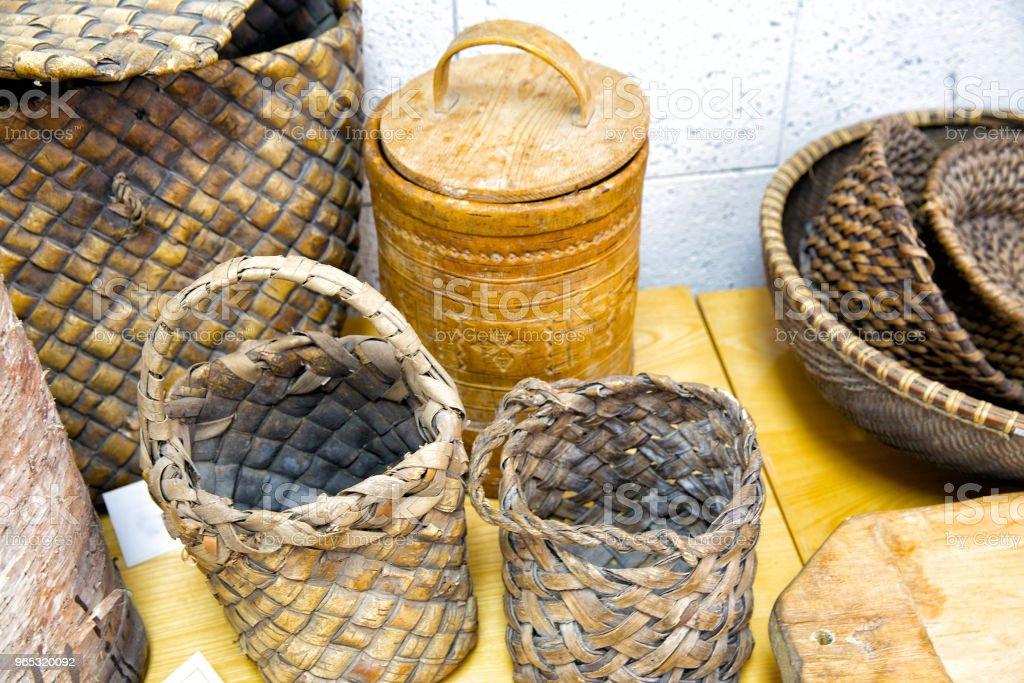 Produits de l'artisanat populaire d'écorce de bouleau - Photo de Artisanat libre de droits