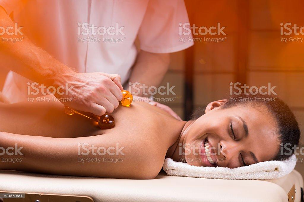 Professionnel massage du dos  photo libre de droits