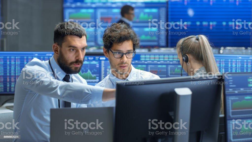 De Su Trader Broker Bolsa Trabajo Profesional En Consulta Sitio xodCBe
