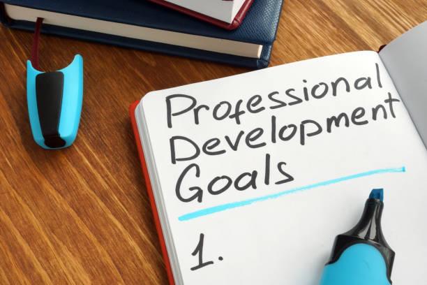 mesleki gelişim hedefleri listesinde bir not. - expert stok fotoğraflar ve resimler