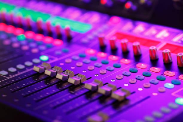 professionellt digitalt ljud blandningssystem - audioutrustning bildbanksfoton och bilder