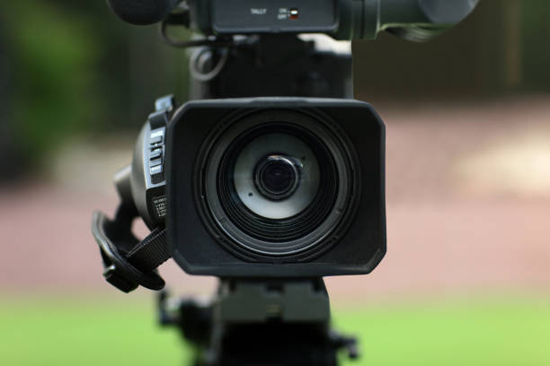 professionelle digitale videokamera - dokumentation stock-fotos und bilder