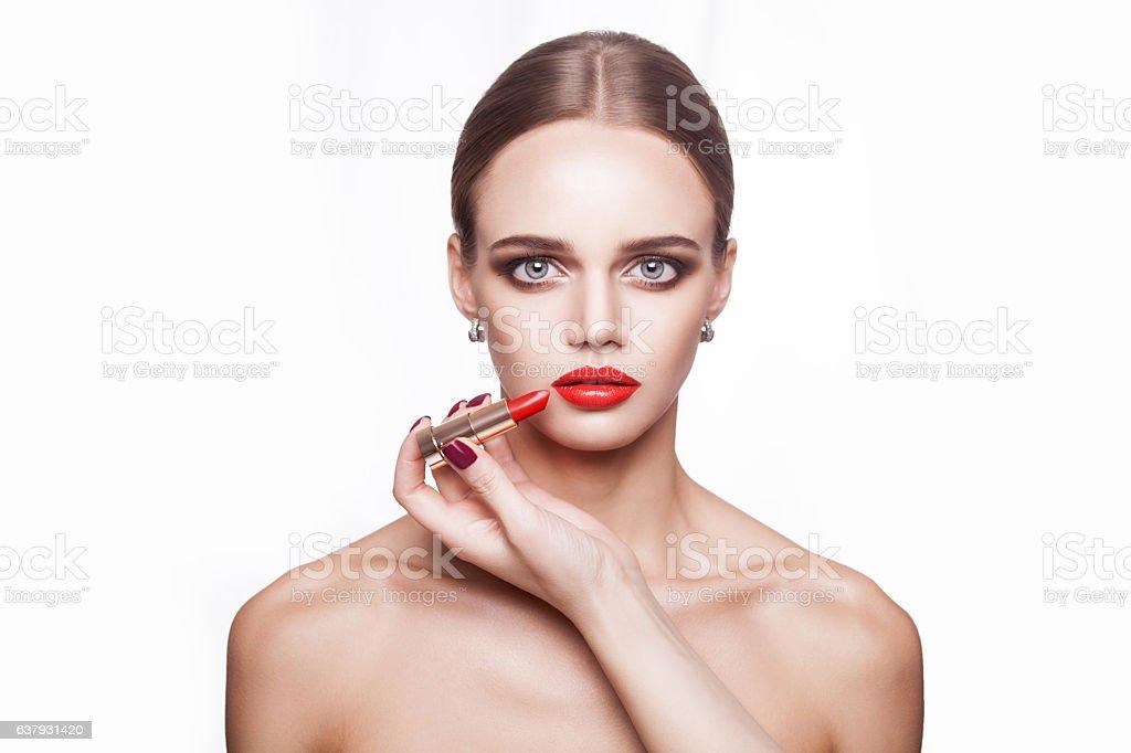Adulte, Appliquer, Arts Culture et Spectacles, Beauté, Blanc. Professional makeup artist ...