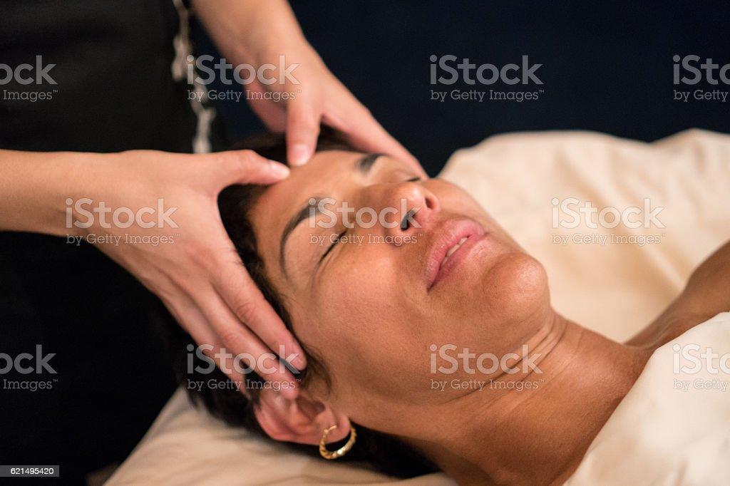 Professional Massaging Face Lizenzfreies stock-foto