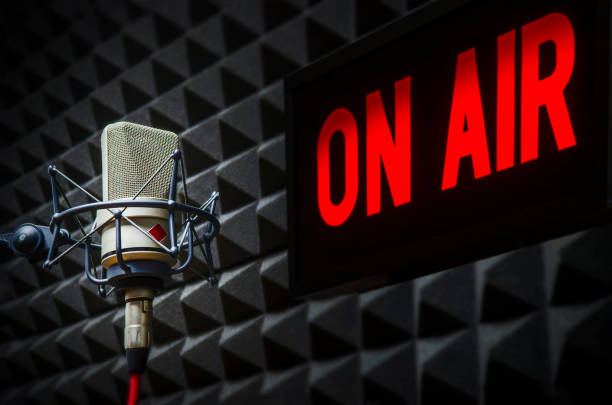 Professional Microphone and On air sign On air sign in radio studio radio dj stock pictures, royalty-free photos & images