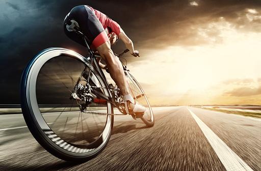 istock Professional road cyclist 516178748