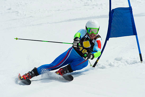 Profi-Skifahrer im Giant Slalom-Rennen – Foto