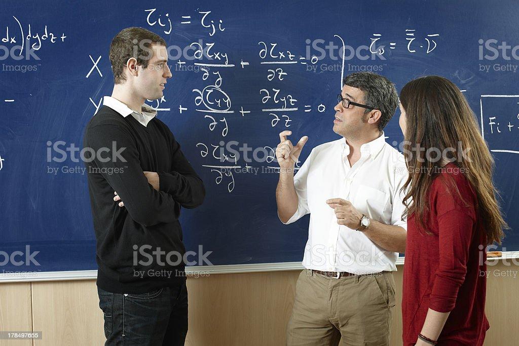 Dozenten und Studenten im Klassenzimmer – Foto