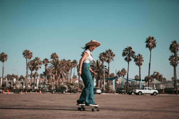 profi skater auf einem Parkplatz bei santa monica. Kalifornien – Foto