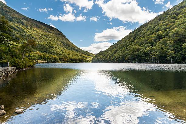 profile lake at franconia gap - dally stock pictures, royalty-free photos & images