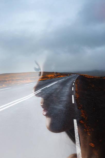 젊은 아름다운 여자와 도로의 프로필, 이중 노출. 목표 설정 및 꿈 - double exposure 뉴스 사진 이미지