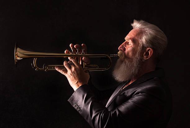 Profil-Porträt eines Trompete player – Foto
