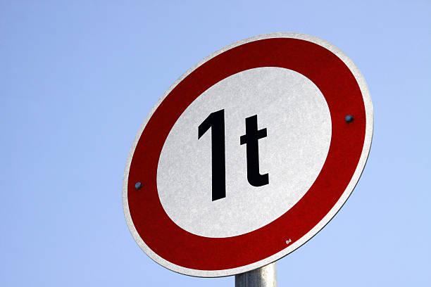 Prohibition für Fahrzeuge von 1 Tonne Gewicht – Foto