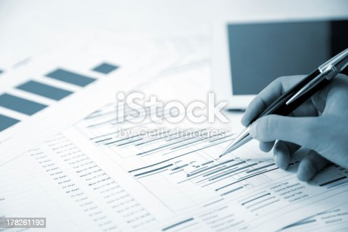 614338352 istock photo Project management 178261193