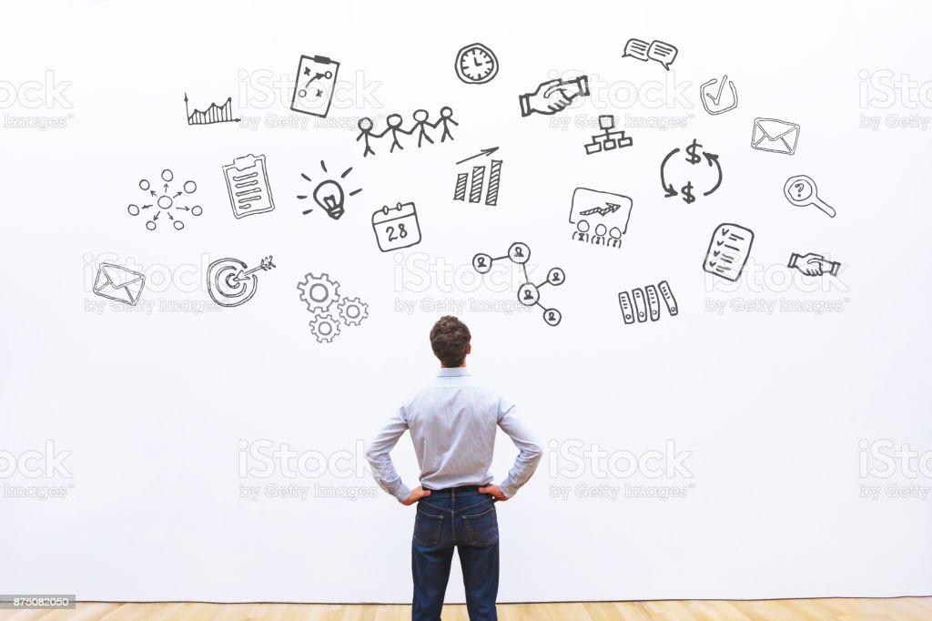 projectmanager denken over project - Royalty-free Advertentie Stockfoto