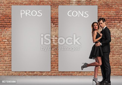 istock pros and cons in a relationship 607595586