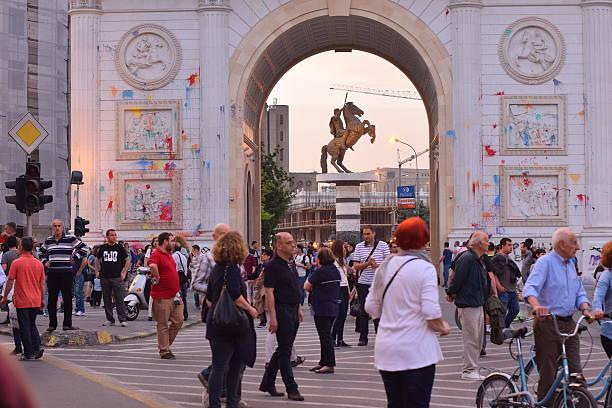 protests against government in macedonia - üsküp stok fotoğraflar ve resimler