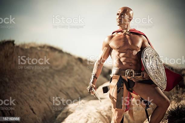 Gladiator Foto de stock y más banco de imágenes de Adulto