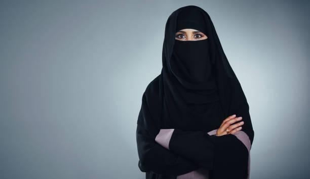 stolz, muslim zu sein - burka stock-fotos und bilder