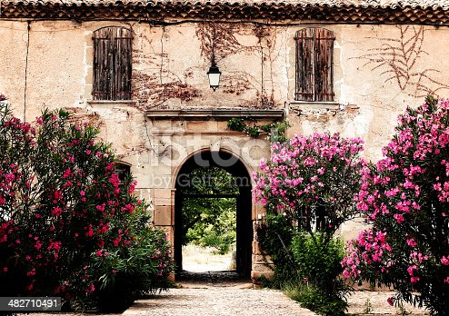 istock provencal country house 482710491