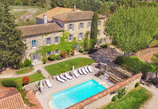 Provencal farmhouse Self catering accommodation in Provence. Renting of large farmhouse in countryside. holiday villa stock pictures, royalty-free photos & images
