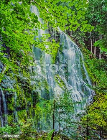 refreshing water scene, dramatic waterfall, gentle waterfall, waterfall with stream, waterfall with mossy rocks