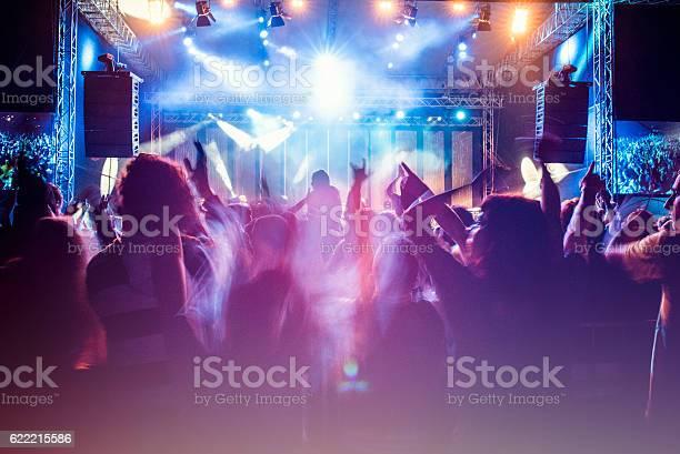 Psychedelic concert crowd picture id622215586?b=1&k=6&m=622215586&s=612x612&h=eqddezh6kca3mlhz42i3bfgdlxu58vv9ijqzguccivq=