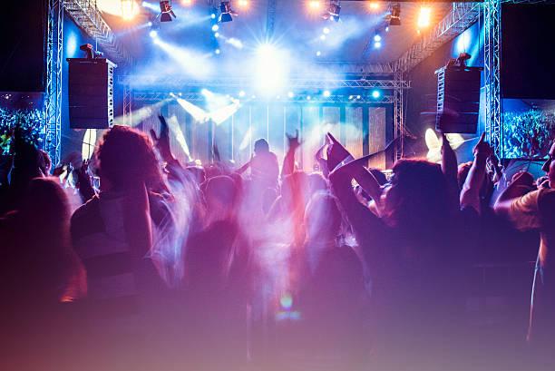 Psychedelic concert crowd picture id622215586?b=1&k=6&m=622215586&s=612x612&w=0&h=zczt rnsjik6j4bm84 gprutmmmucqcscyvhr3k0dt4=
