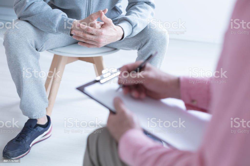 Prendre des notes psychologue - Photo