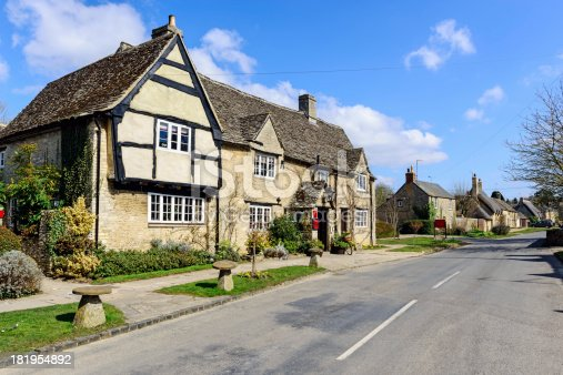 istock Pub and Village in the Cotswolds, England 181954892