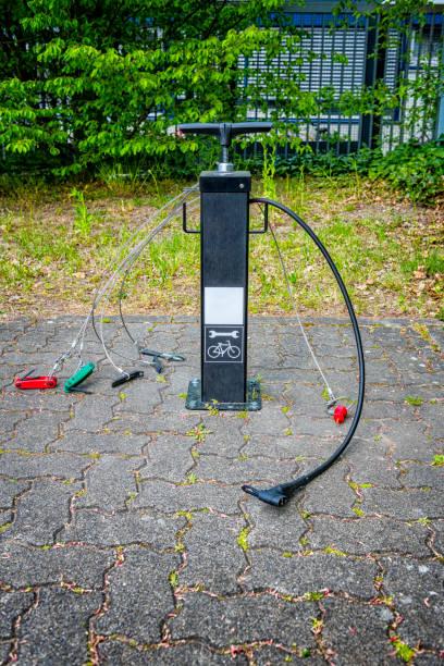 öffentliche Fahrradservice- und Reparaturstation in Deutschland – Foto