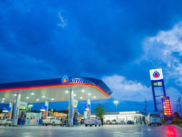 PTT Public Company Limited, Formerly known as the Petroleum Authority of Thailand. Songkhla Thailand - Sep 9 2017: PTT gas station. PTT Public Company Limited or simply PTT is a Thai state-owned SET-listed oil and gas company.Formerly known as the Petroleum Authority of Thailand. known gas stock pictures, royalty-free photos & images