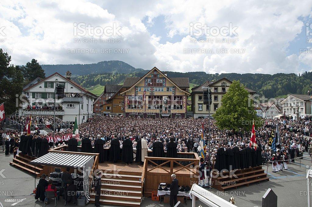 Öffentliche Wahl als Landsgemeinde in Appenzell, Schweiz – Foto