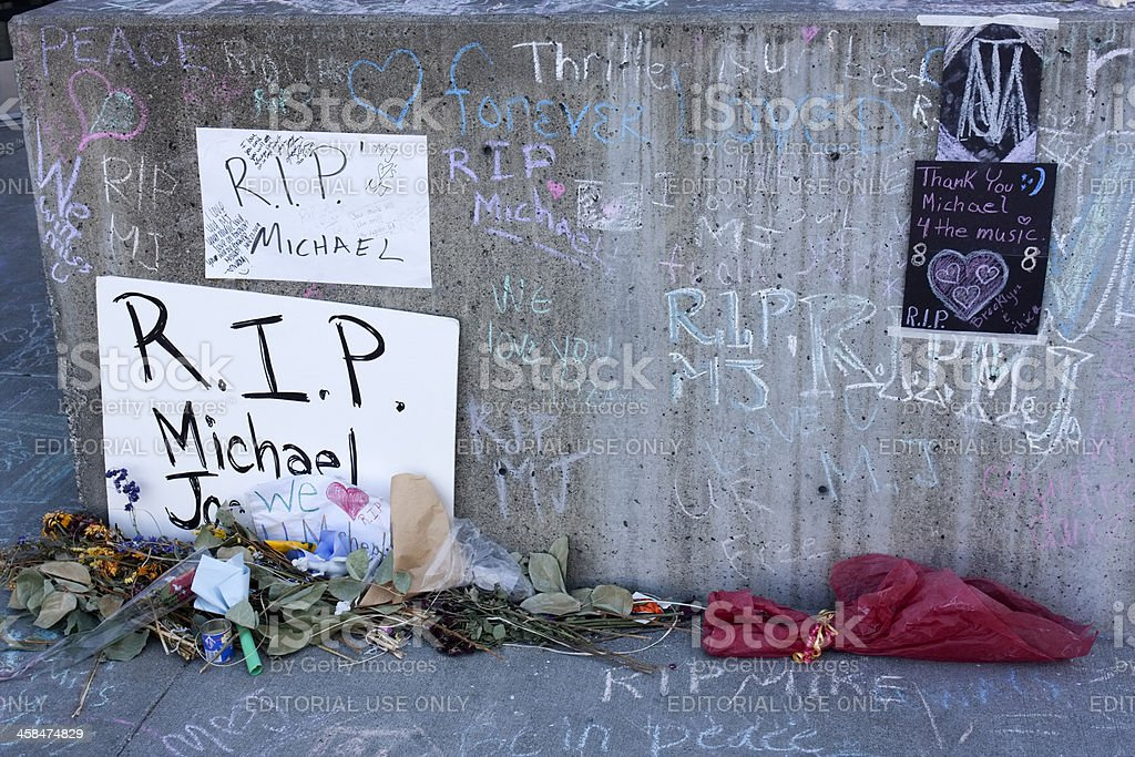 Public memorial display for Michael Jackson stock photo