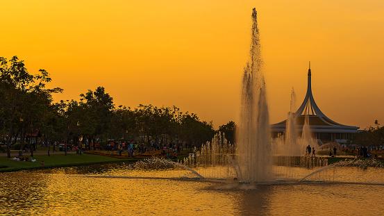 Openbaar Park In Bangkok Stockfoto en meer beelden van Architectuur