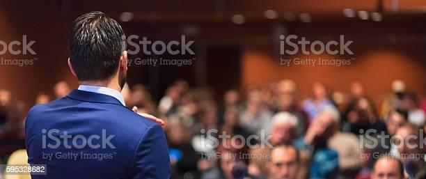 Redner Die Reden Von Businessevent Stockfoto und mehr Bilder von Akademisches Lernen