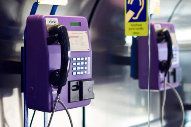 Öffentliche Telefonzelle in Guarulhos International Airport. – Foto
