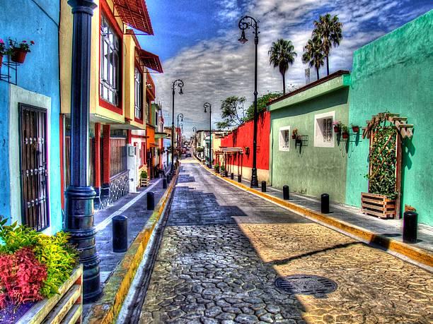 Pueblos de Mexico - Tradiciones, colorido, costumbres Calle 11 Sur de Atlixco Puebla, México puebla state stock pictures, royalty-free photos & images