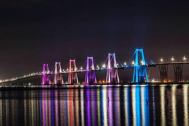 puente rafael urdaneta noche - maracaibo fotografías e imágenes de stock